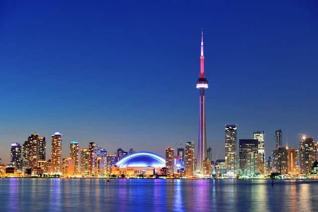 Excursão noturna em Toronto