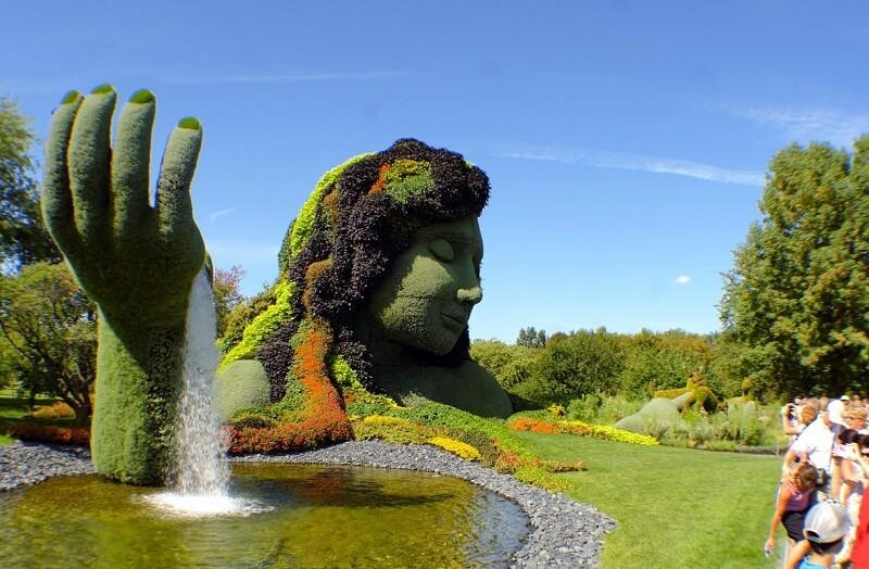 Estátua do Jardim Botânico de Montreal