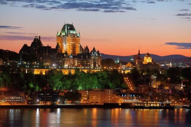 Qual é a época mais barata para viajar para Quebec City