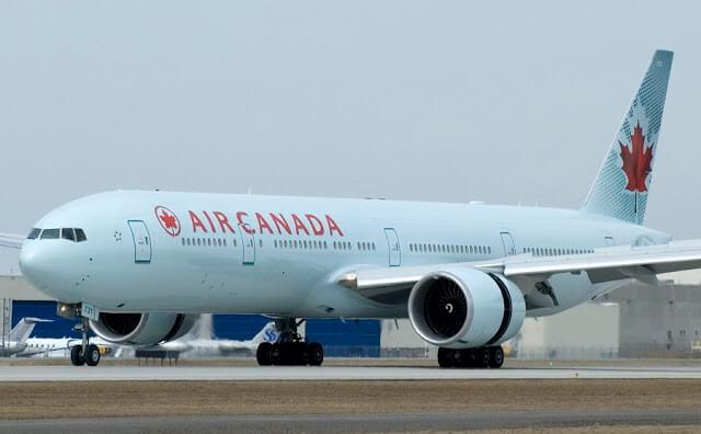 Quanto custa uma passagem aérea para Toronto