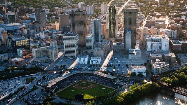 Como ir do Aeroporto de Winnipeg (YWG) até o centro da cidade