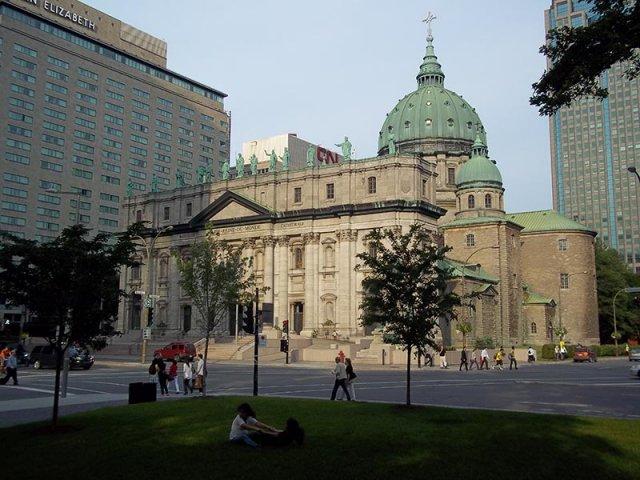 Basílica de Marie Reine em Montreal