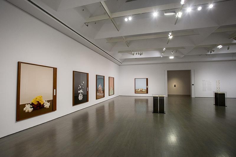 Sala de pinturas aquarela no Museu de Arte Contemporânea de Montreal