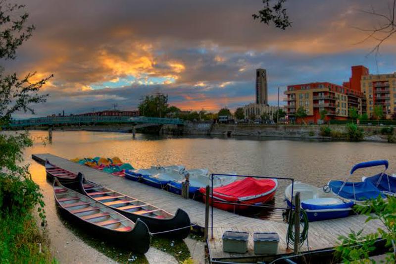 Canoagem no Canal Lachine em Montreal