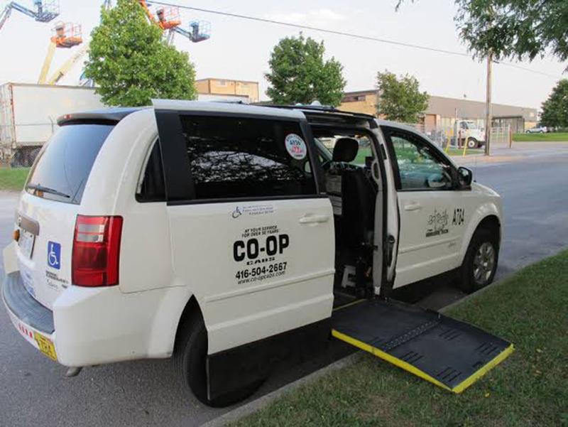 Carro adaptado para deficientes físicos em Toronto