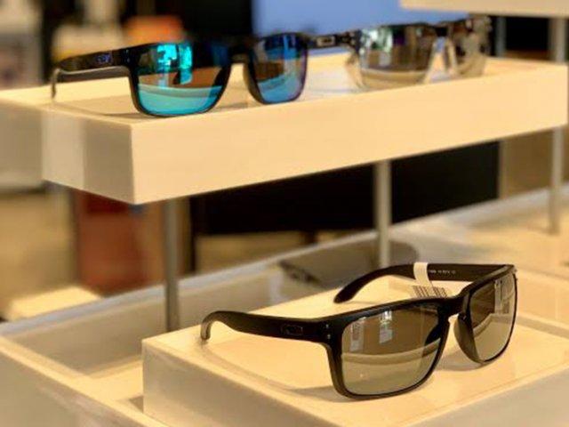 Onde comprar óculos em Vancouver