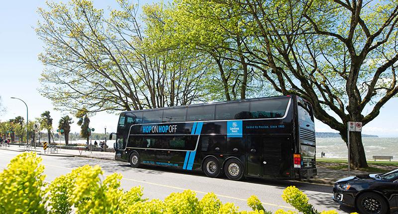 Parada do ônibus Hop-On Hop-Off em Vancouver