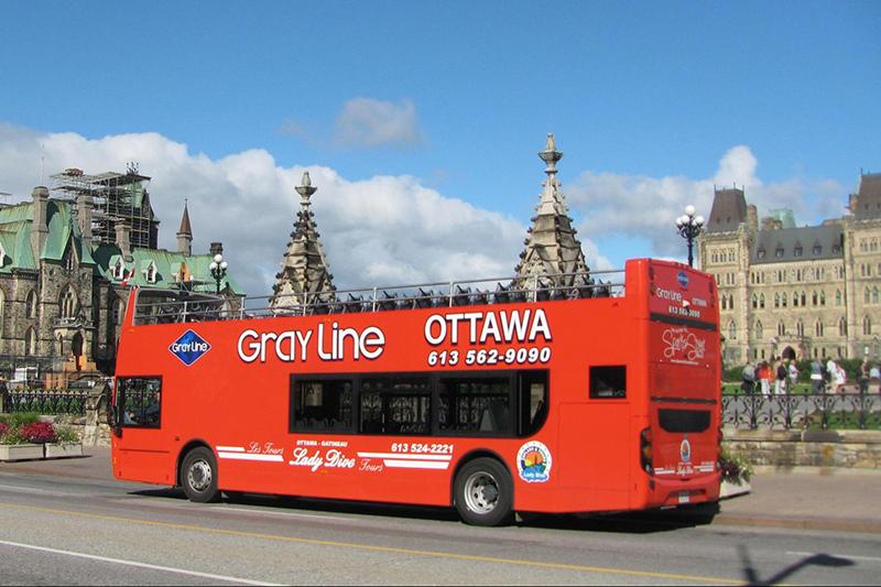 Ônibus turístico em Ottawa