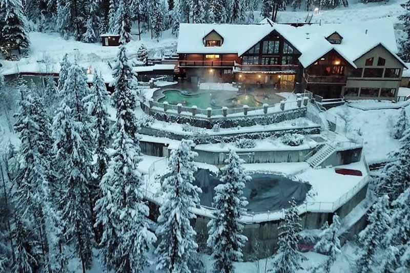 Spa Harrison Hot Springs durante o inverno em Vancouver