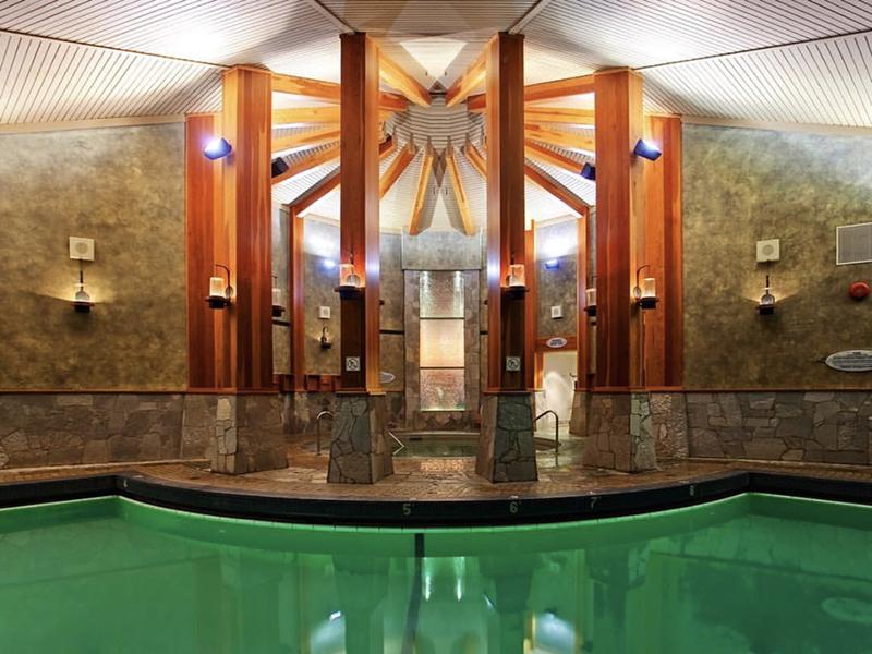 Interior do Spa Harrison Hot Springs em Vancouver